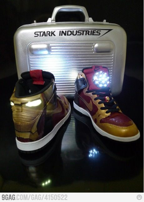ira-sistable:  Iron Man Nike Dunks.
