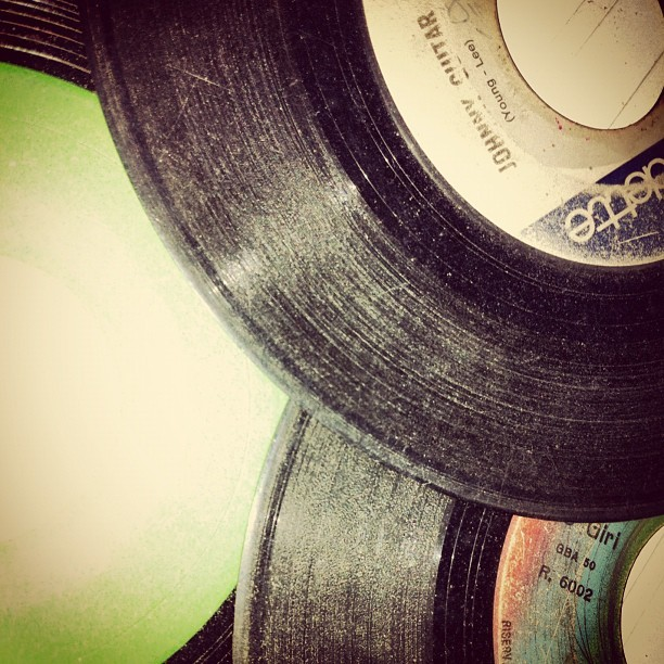 #vintage #vinile #instagramhub #retro #music #cool #image #instagram - @vinile- #webstagram