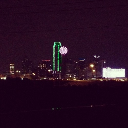 popcornpauly:  #dallas from the view I found the other day I had to see it at night! (Taken with Instagram at Downtown Dallas)  This was probably taken from around 45/75 on the south side of Downtown. It's a really pretty view at night.