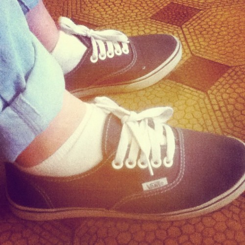And on my feet. #shoes #vans #sneakers #blue (Taken with instagram)