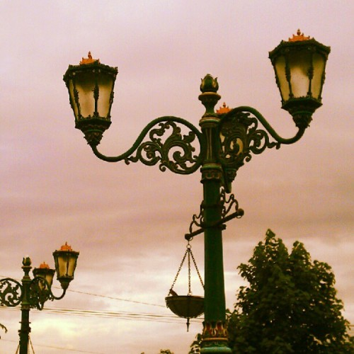 zpiderboi:  Traditional City Lamp, Jogja #city #lamp #decoration #jogja (Taken with instagram)