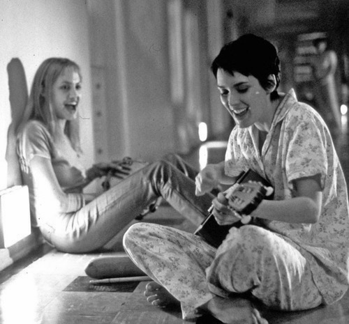 Angelina Jolie and Winona Ryder in Girl, Interrupted