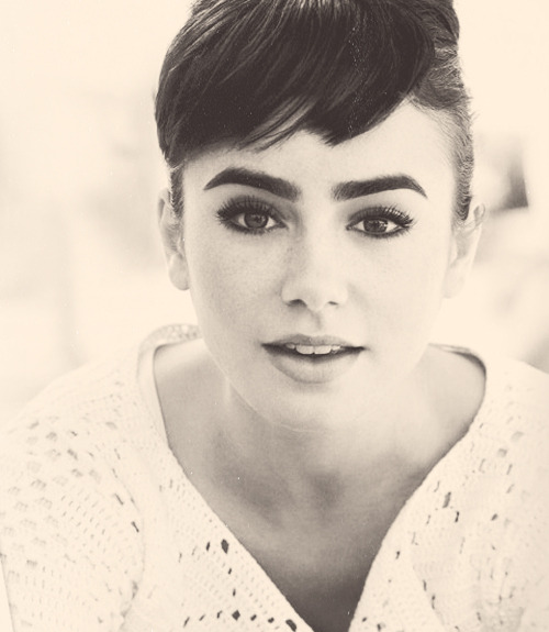 7/25 favorite pictures of Lily Collins.