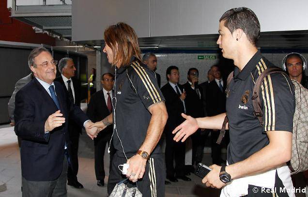 Arriving in the Bernabéu for the last match of the season vs. Mallorca, 13.05.2012 Starting XI: Iker Casillas; Alvaro Arbeloa, Sergbio Ramos, Pepe, Marcelo; Xabi Alonso, Sami Khedira; Mesut Özil, Karim Benzema, Crsitiano Ronaldo; Gonzalo Higuaín Now I'm really worried, as Kaká once again is only on the bench … My other tumblr: Eclectic Interests and Beautiful Sports