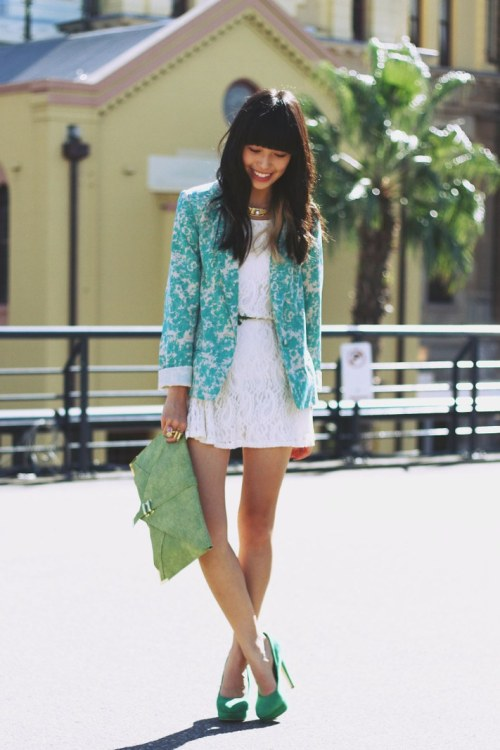 glamour:  An adorable, not-too-trendy way to mix lace and florals. theclotheshorse:  Connie of K is for Kani