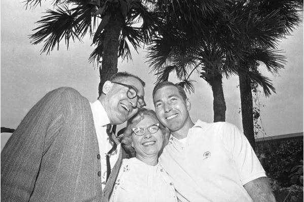 bart starr and his parents. Happy mother's day!
