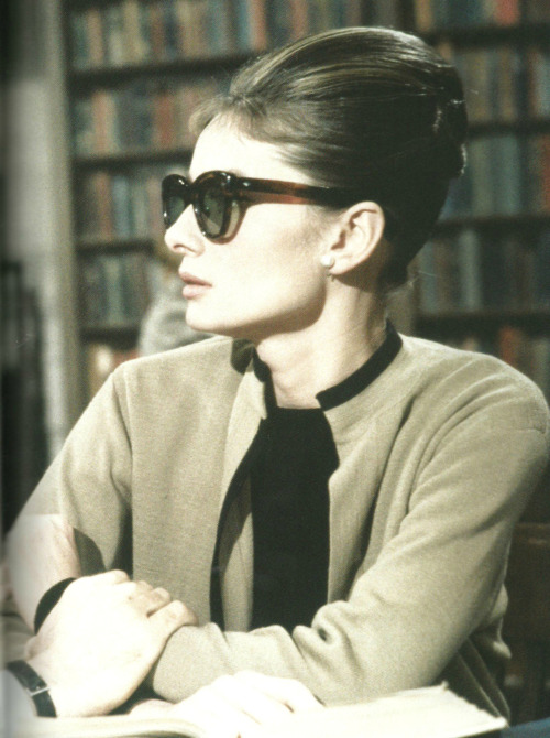 Audrey Hepburn in Breakfast At Tiffany's (1961).  Mmmmmm jacket