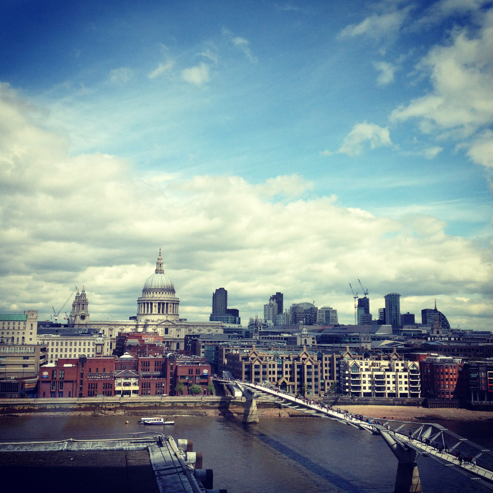 It is always nice to drink tea in the Sixth floor Cafe of Tate Modern, with your good friend on a Friday.