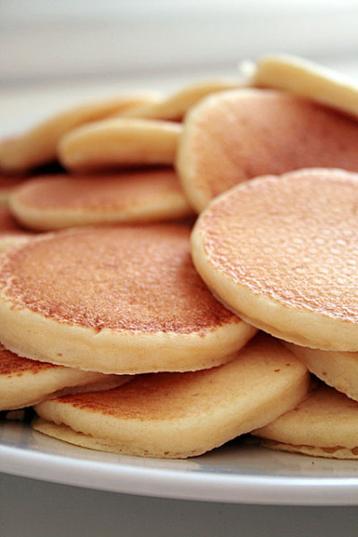 pancakes. by Renata Damasio on Flickr.