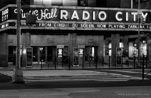 theblackballerina:  (via Radio City Music Hall, Night | A Clean Well-Lighted Place Photo Blog)