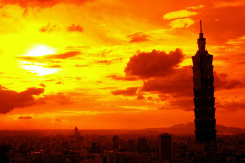 one of the most gorgeous pictures of the taipei skyline