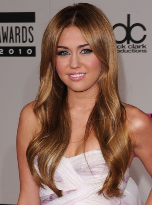 thinking of dying my hair this colour, idk