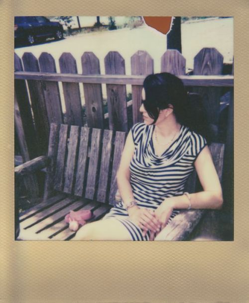 theproperscoundrel:  Wife On A Bench Middleburg, VAMay, 2012