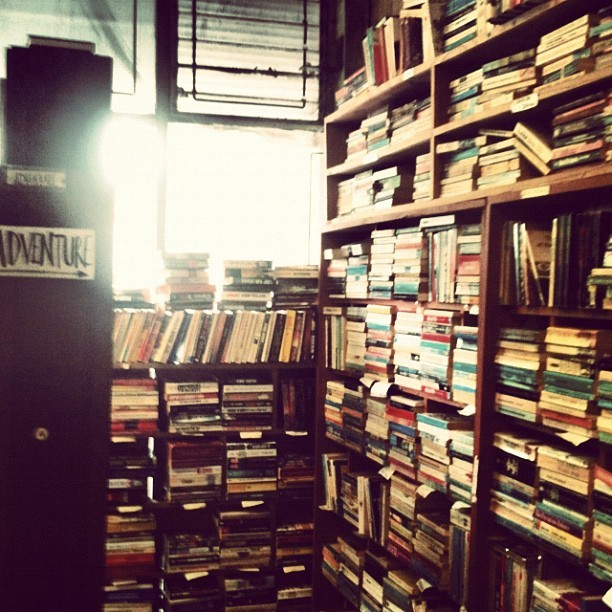 At the #Uses #bookstore #LOVE IT! #books #old #antique #vintage #old #dusty #paper #modern #hipster #AMAZING! #peace #tranquility #buying #shopping #photography   (Taken with instagram)