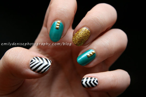 Palindrome nails - as named by the awesome Sarah from Chalkboard Nails! Read more.
