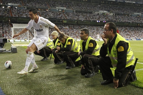 Cristiano too fast to stop before the line  :o) Real Madrid vs. Mallorca 4:1, 13.05.2012(via Photo from Reuters Pictures)