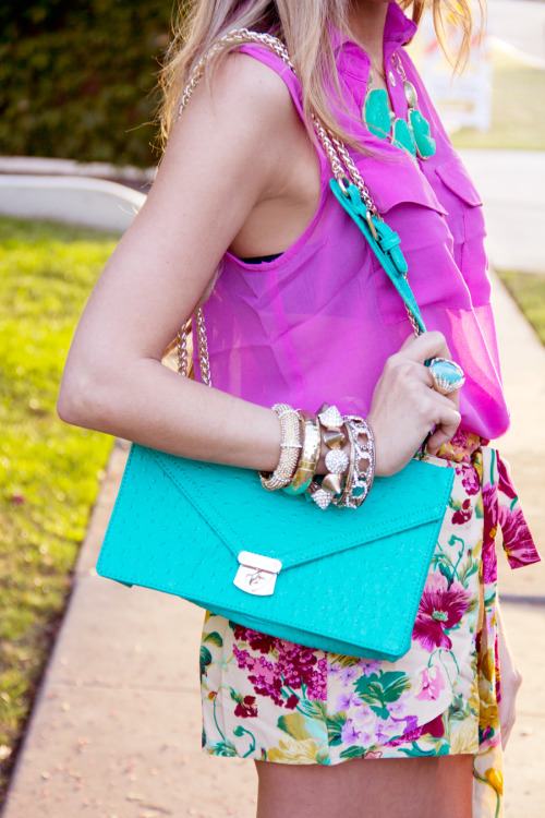 sororitysugar:  summer = BRIGHTS!