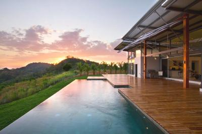 Contemporary Casa Mecano, Costa Rica