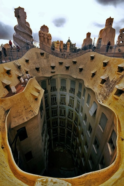 keepcalmandtraveltheworld:  La Pedrera, Barcelona, Spain