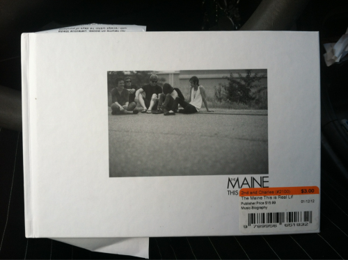 ryanadamsadamsapple:  Giveaway. This Is Real Life by The Maine.  Reblogs only. Likes don't count. Don't have to follow me, but if you love The Maine, you should because they're 99% of what I post. Contest ends June 1. Will ship anywhere. 1,2,3 go. Reblog as many times as you want. Winner chosen randomly.