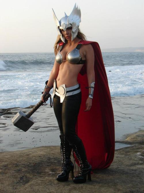 comicbookcosplay:  My friend Toni as female Thor. Submitted by sushigrade