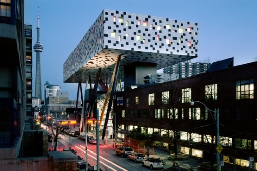 stpaulsrevolt:  OCAD building in Toronto. Loff it.