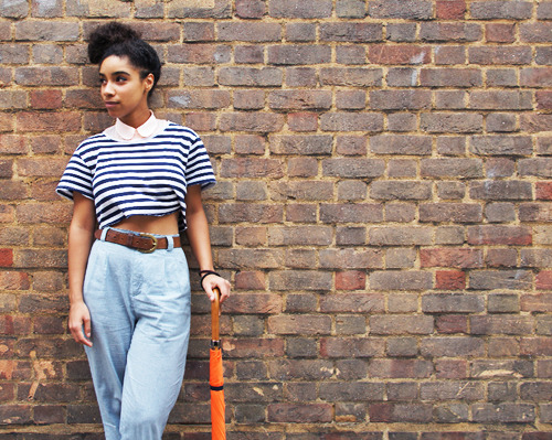 fuckyeahchickmusicians:  Artist Spotlight: Lianne La Havas  Lianne La Havas is a young British singer-songwriter with an emotive voice and wonderful control. She sings over a lot of stripped-down, acoustic songs and wisely lets her vocal chops take center stage. She recently released an EP called Lost & Found, and also has a live EP you can legally download for free (I highly recommend it!) Her full-length debut album is coming in July; in the meantime she is touring and opening (by request of Justin Vernon) for Bon Iver.  Our top recommended songs: Lost and Found Don't Wake Me Up Age WebsiteLastFM