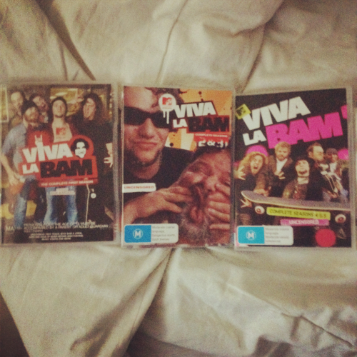 Watching viva la bam, whilst uploading and editing videos!!