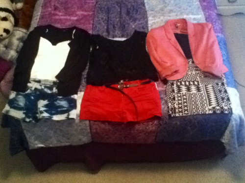 My outfits for the week! Yeaaaa, I still need to figure out Thursday's and Friday's. x) But anyway, wa la! Monday-Wednesday!  Like always, if anyone has Q's about an article of clothing in the pic please feel free to ask. I'm also open to style advice. :)