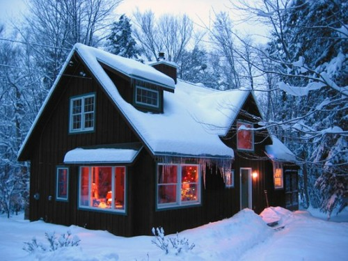 Snowy Farm House <3