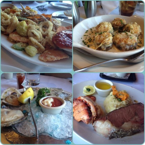 #calamari #stuffed crab mushroom #oysters #prime rib #lobster…. 👌👌👌 (Taken with instagram)
