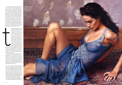 Angelina Jolie  Vogue - April 2002 (4-2002) USA