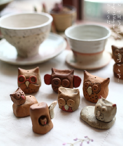 haru-isageum:  cute Korean pottery owls.~   Again with the owls.