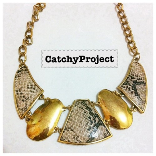 #catchyproject #necklace #statementnecklace #fashion #fashionista #jual #jualan  (Taken with instagram)