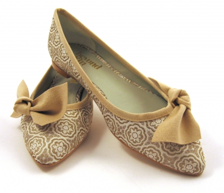 I effing love these Beyond Skin flats that Compassion Couture has! So effing demure.  That is all.