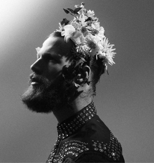 love, men, fashion, photography, flowers, beard, prada, black and white….. http://open.spotify.com/track/22dtVeVt1xtlGh1rkXITIe
