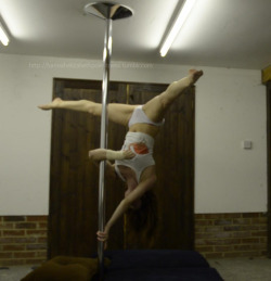 Pole tricks : Advanced Ayesha. I find this quite scary but I think it looks so cool I took the plunge (not literally!) and had to get over it! Loooove this move