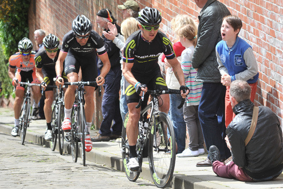 Great shot of the breakaway from yesterdays Lincoln GP as they climb the cobbled Michaelgate. (via Top cyclists compete in Lincoln Grand Prix | This is Lincolnshire)
