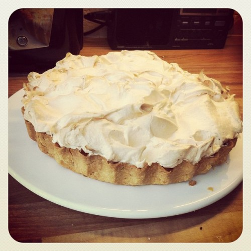Kickin' it old school with a #HomeMade #Lemon #Meringue #Pie #Holla!  (Taken with instagram)