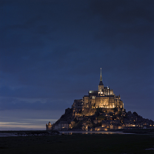 allthingseurope:  Mont-St-Michel at night (by thetzar)