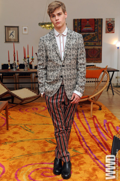 womensweardaily:   Joyce by Romeo Gigli Fall 2012  The blazer is major!!