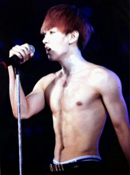 me-gusta-kpop:  Omaygaaad !! Perfectly Sexy | I got killed in just a second (*__*) !!!!