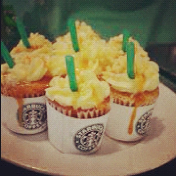 #starbucks #coffee #cupcake #cake #cute #awesome #yum #caramel (Taken with instagram)