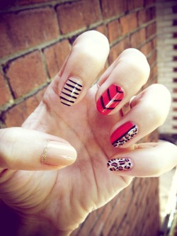 Leopard, nude & red nails by LJ.