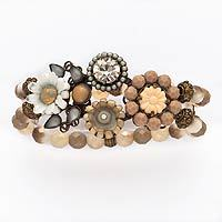 Sweet, straight-from-the-garden floral bracelets are sunny staples every single year. :)
