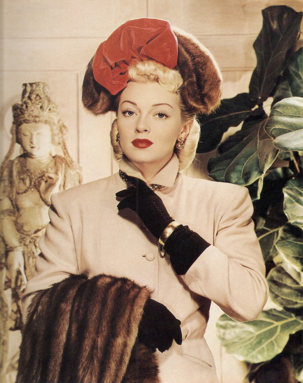 cosmosonic:  Lana Turner in 1945  by Paul Hesse