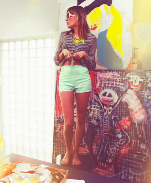 Look of the day +  aqua mint shorts + Patricia's paintings ❤