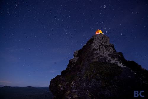 dreamingofcastles:  Wise Tent on the Mountain (by Ben Canales)