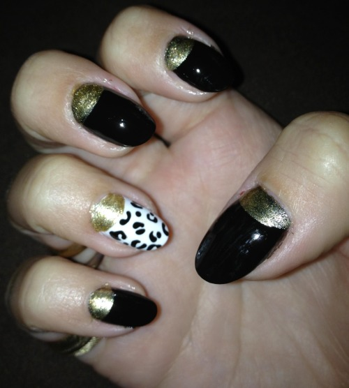 Black & gold half moons with white leopard print