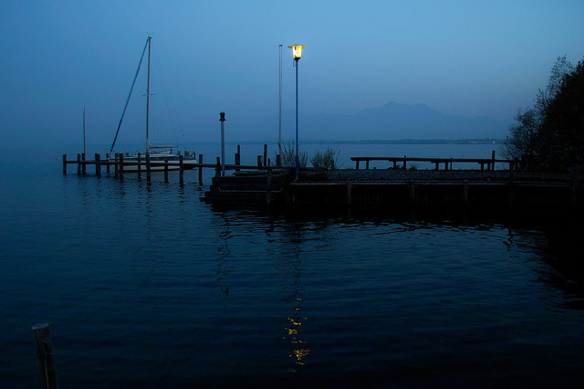 Chiemsee - the twilight hour on Flickr.© Regina Hoer